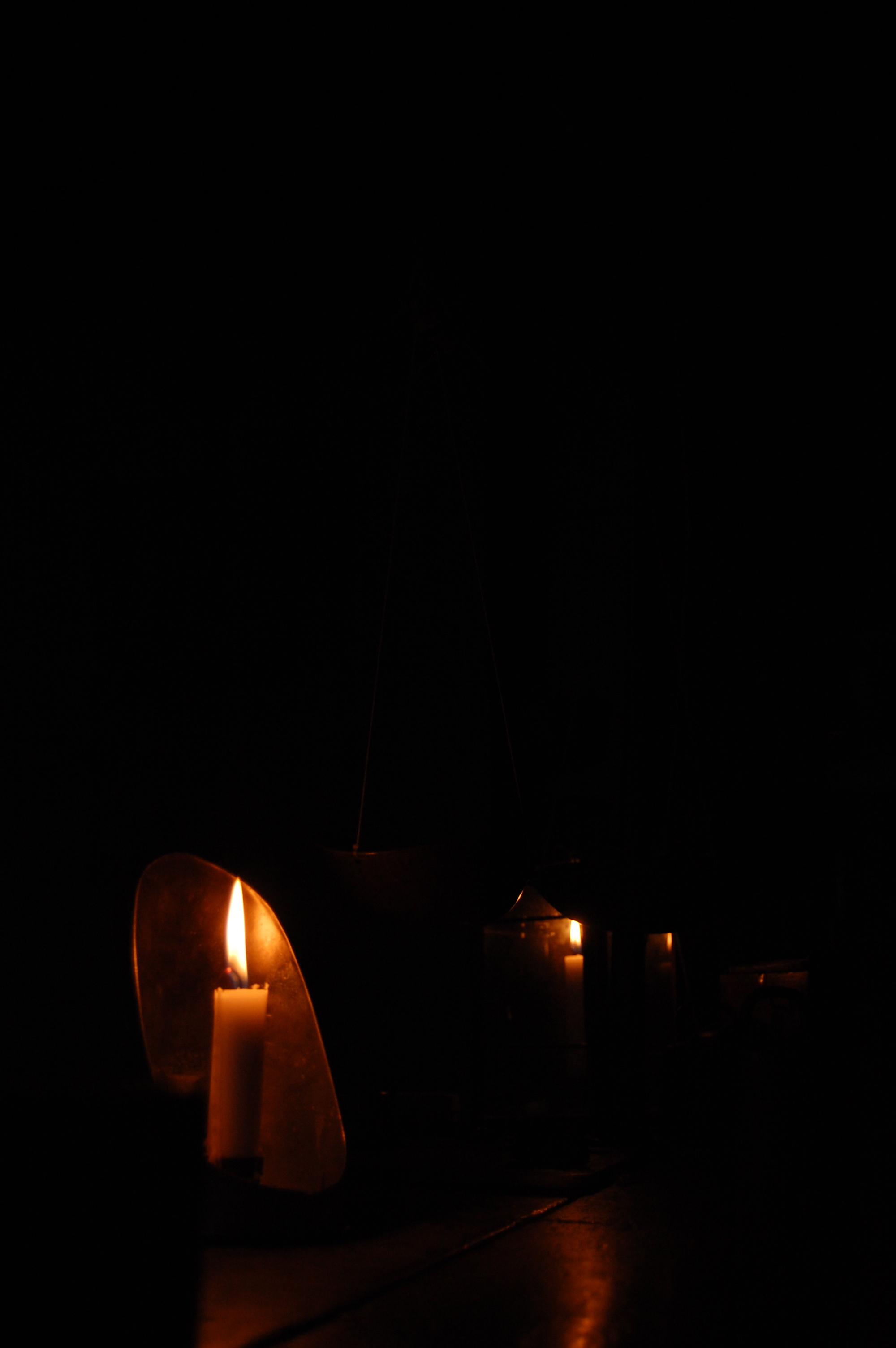 Levande ljus i mörker